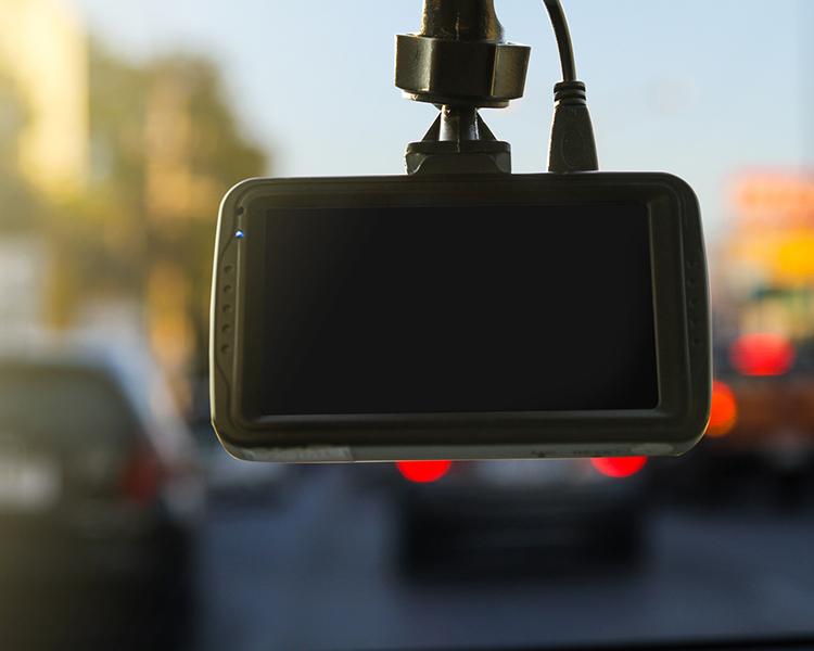 เลือกซื้อ กล้องติดรถยนต์ 2017